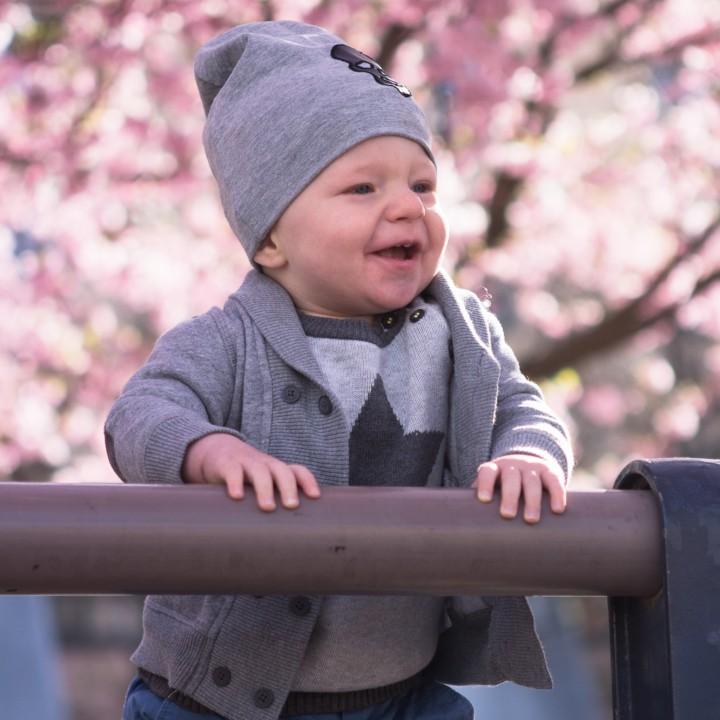 Barnfotografering bland körsbärsträden i Kungsträdgården